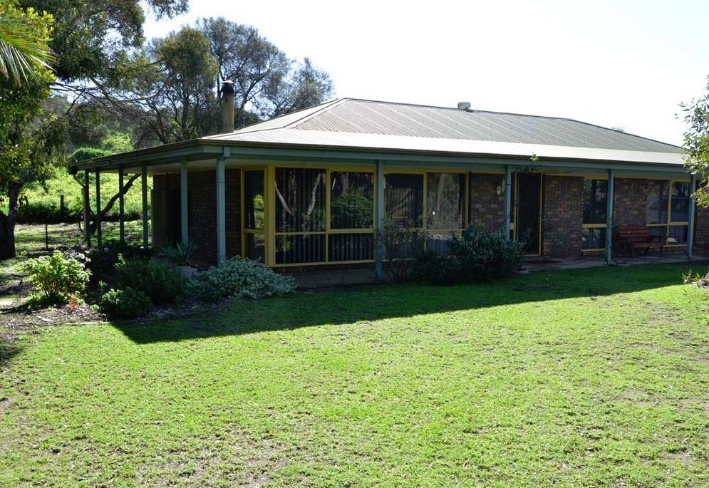 The Beach House - Normanville - Accommodation Port Macquarie