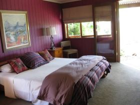 French Cottage and Loft - Accommodation Port Macquarie