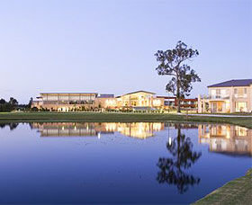 The Crowne Plaza Hotel - Accommodation Port Macquarie