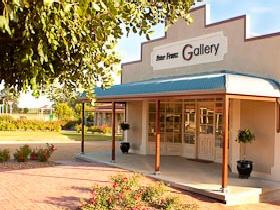 Peter Franz Fine Art Gallery - Accommodation Port Macquarie