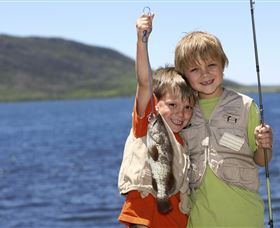 Fishing on Keswick Island - Accommodation Port Macquarie