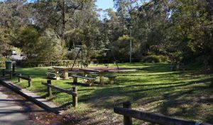 Gordon Falls lookout and picnic area - Accommodation Port Macquarie