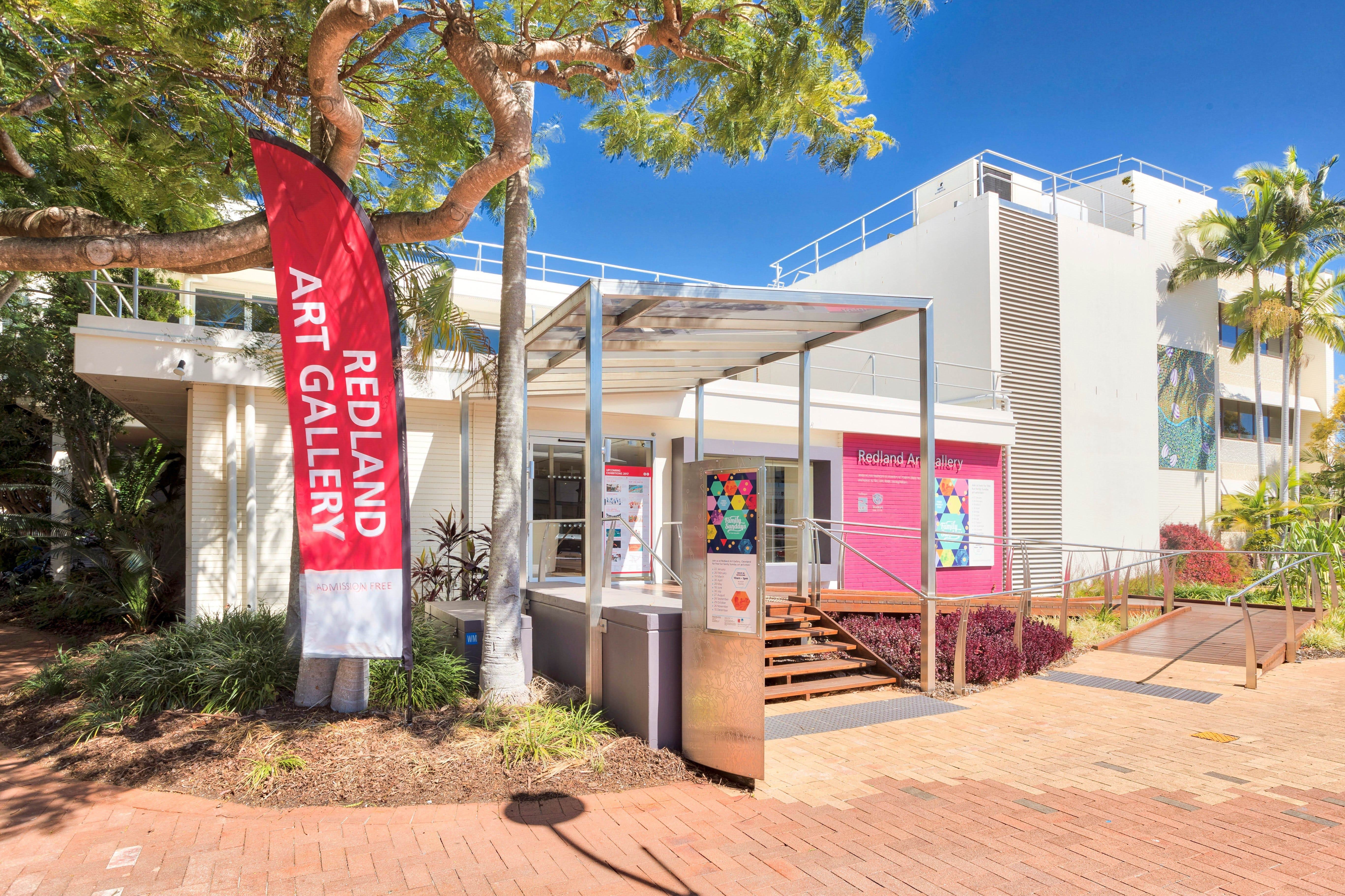 Redland Art Gallery - Accommodation Port Macquarie