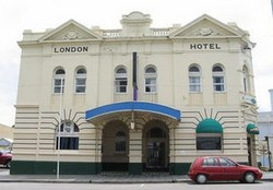The London Hotel - Accommodation Port Macquarie