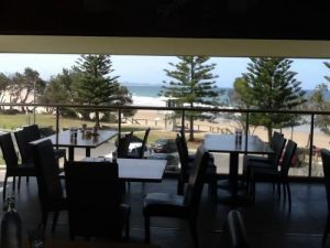 Fat Fish Beachfront Bistro - Accommodation Port Macquarie