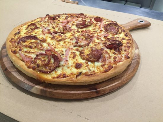 Pizza kitchen - Accommodation Port Macquarie