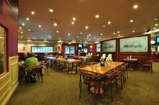 Central Park Tavern - Accommodation Port Macquarie
