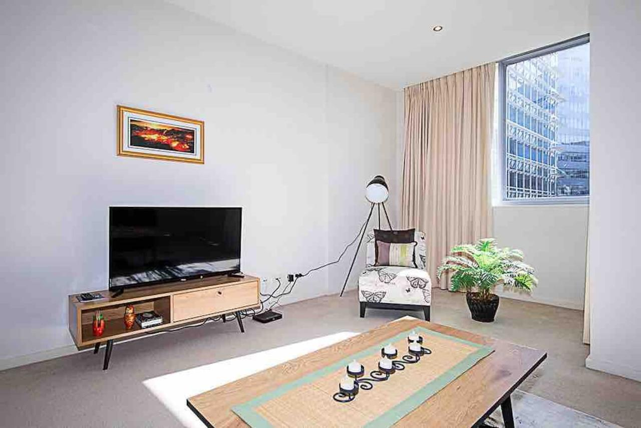 Spacious 1BR Stylish New Acton Apartment Parking - Accommodation Port Macquarie