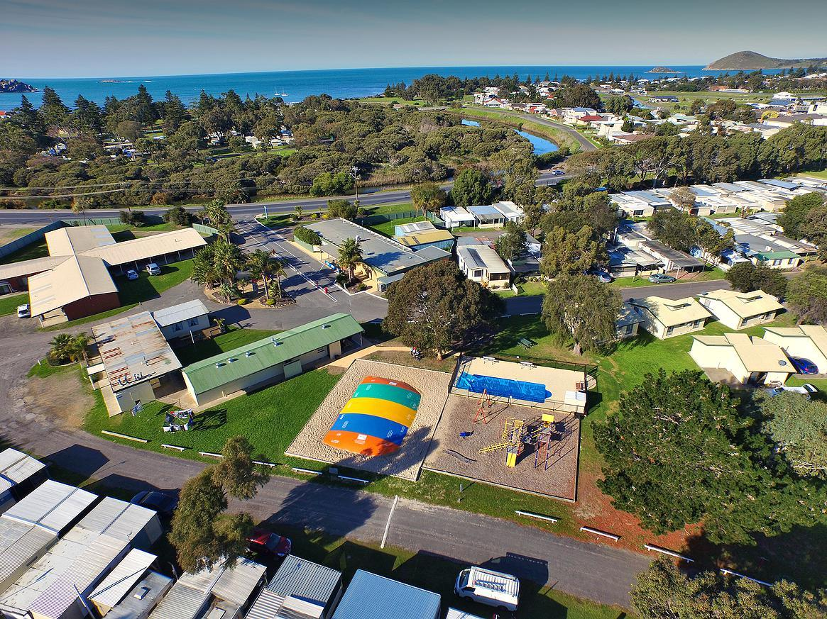 Victor Harbor Holiday  Cabin Park - Accommodation Port Macquarie