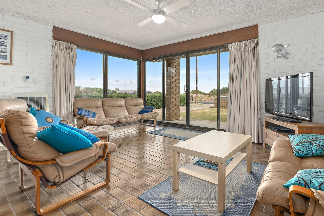 Sun  Surf Aldinga Beach Apartment - Accommodation Port Macquarie