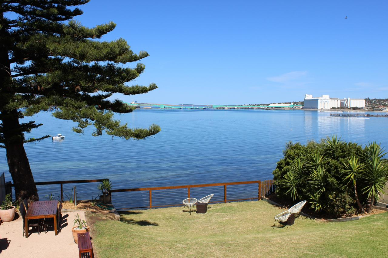 Bay 10 - Suites and Apartments - Accommodation Port Macquarie