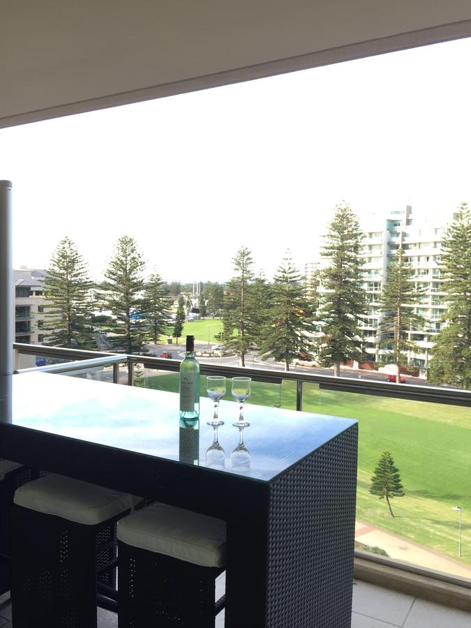 Beachside Luxury getaway in Glenelg - Accommodation Port Macquarie
