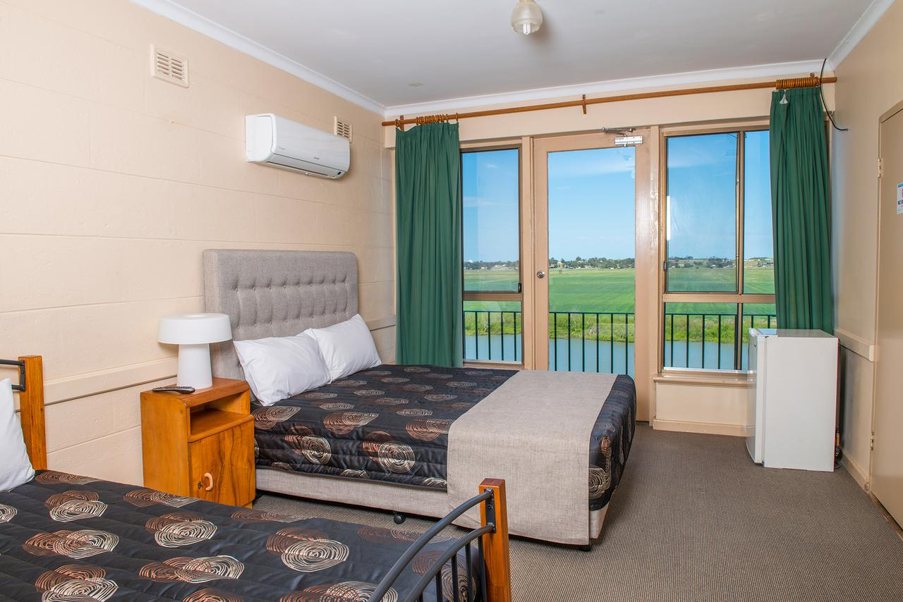 Tailem Bend Riverside Hotel - Accommodation Port Macquarie