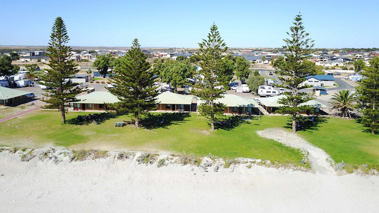Wallaroo Holiday Park - Accommodation Port Macquarie