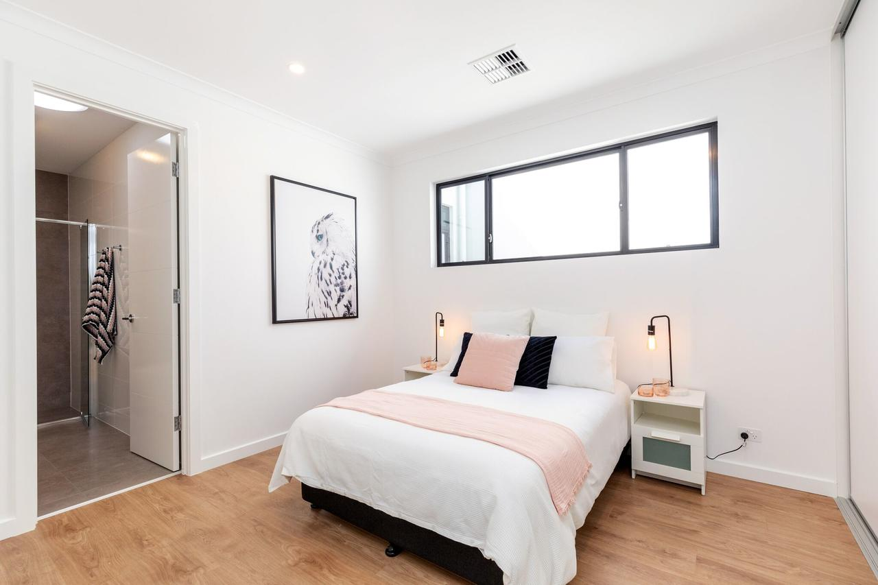Brand new affordable luxury 3 bedroom 3 bathrooms house close to Adelaide city Chinatown beach Adelaide Airport - Accommodation Port Macquarie