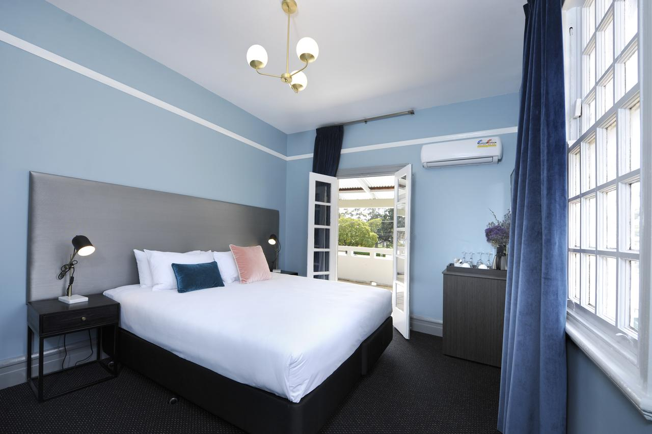 The Stirling Arms Hotel - Accommodation Port Macquarie