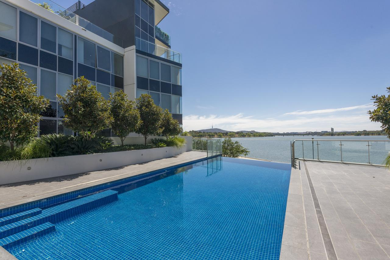 Accommodate Canberra - Lakefront - Accommodation Port Macquarie