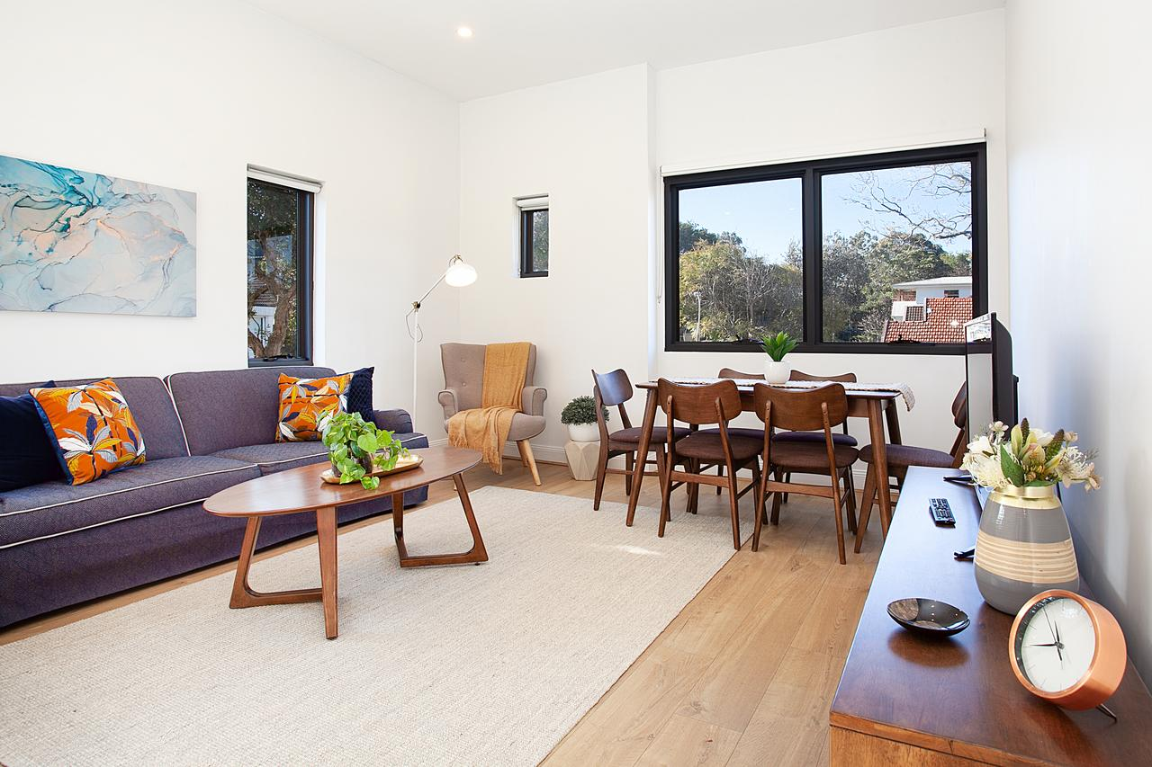 Stylish Apartment With Garage Near Bondi Beach - Accommodation Port Macquarie