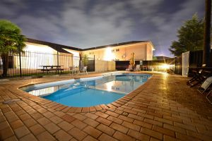 Winning Post Motor Inn - Accommodation Port Macquarie