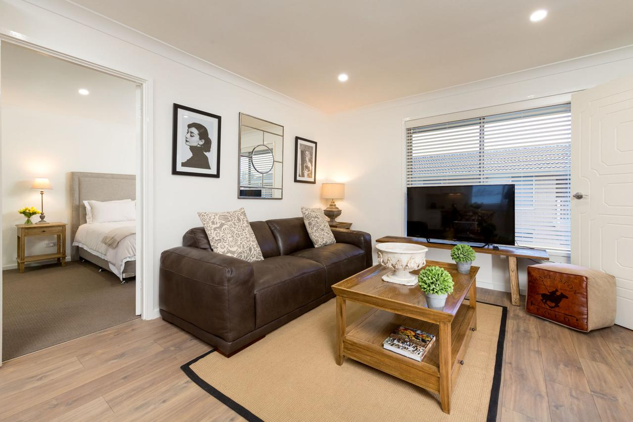 Sleeping in Style - Central  Sophisticated - Accommodation Port Macquarie