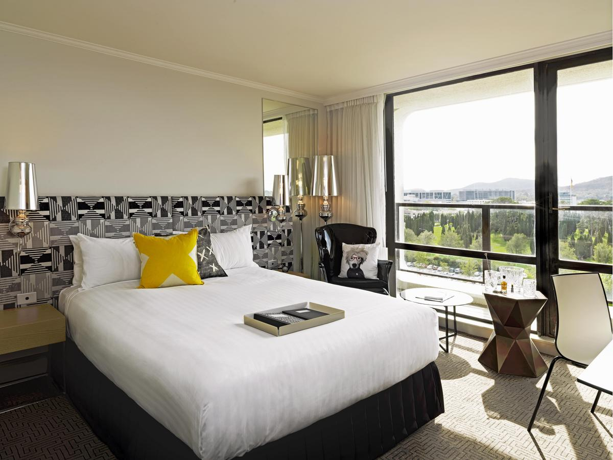 QT Canberra - Accommodation Port Macquarie
