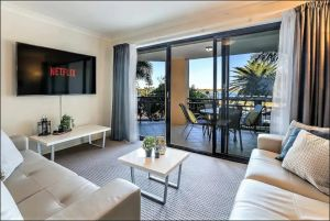 Gold Coast Apartment At Sandcastles On Broadwater - Accommodation Port Macquarie
