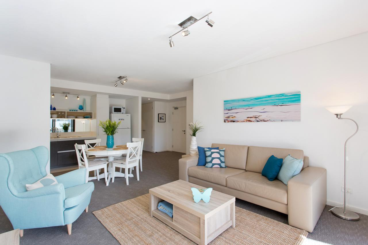 Beachside Living - South Fremantle - Accommodation Port Macquarie