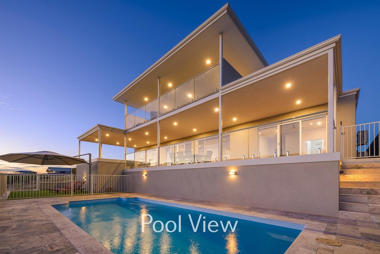 32 Corella Court - Private Jetty and Pool - Accommodation Port Macquarie