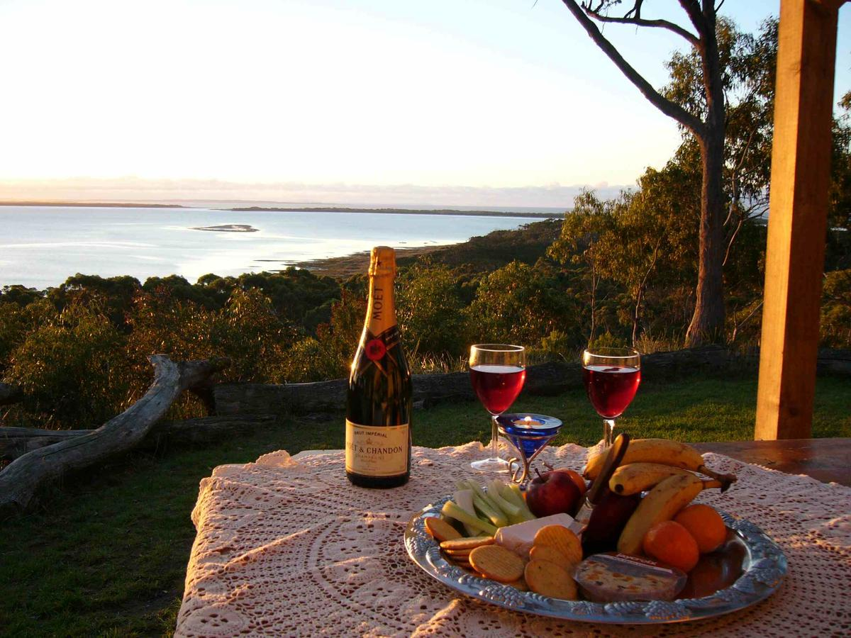 Island View Spa Cottage - Accommodation Port Macquarie