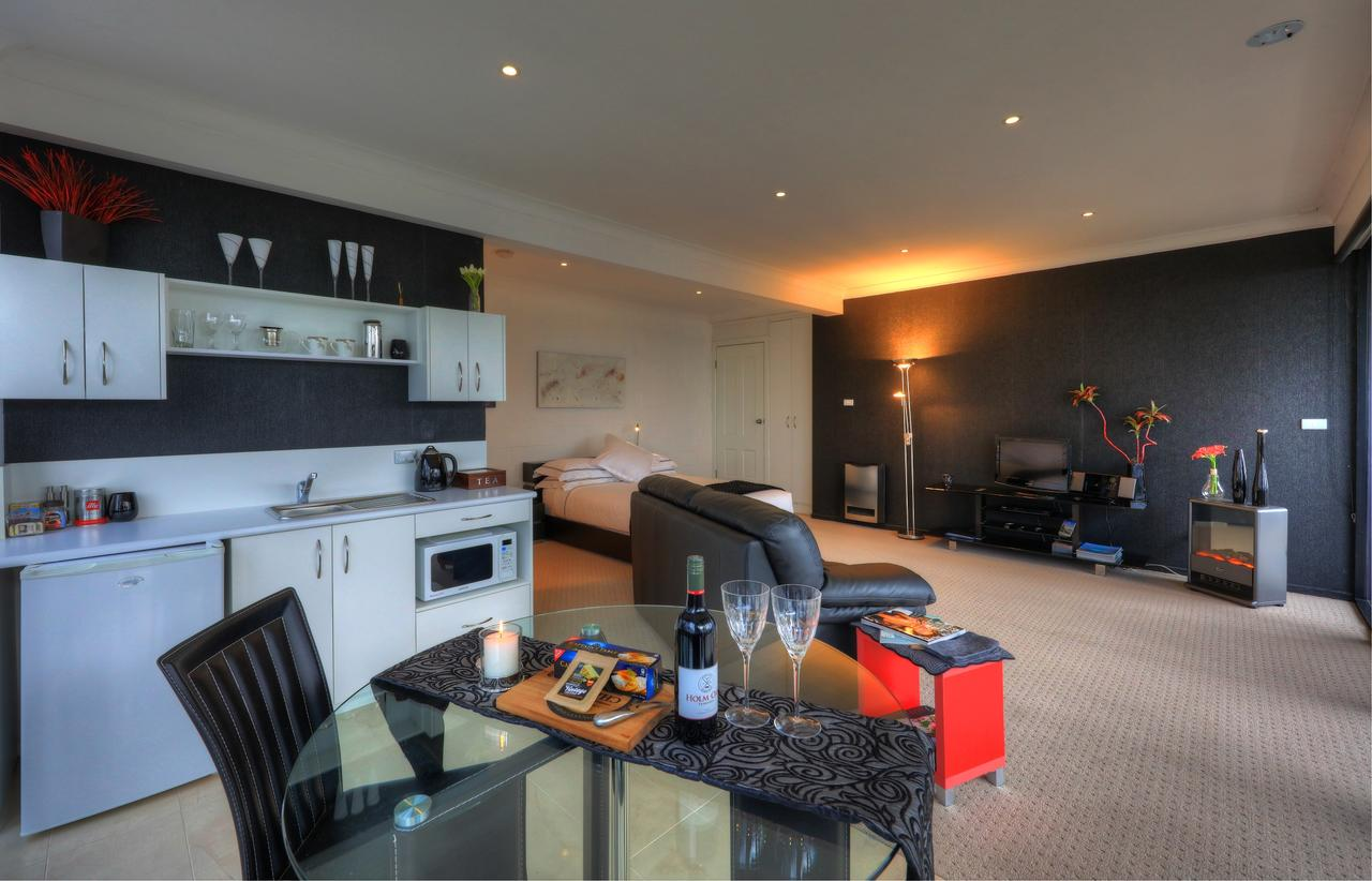 Sheer Pleasure Accommodation - Accommodation Port Macquarie