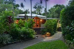 Port Douglas Valley Retreat - Accommodation Port Macquarie