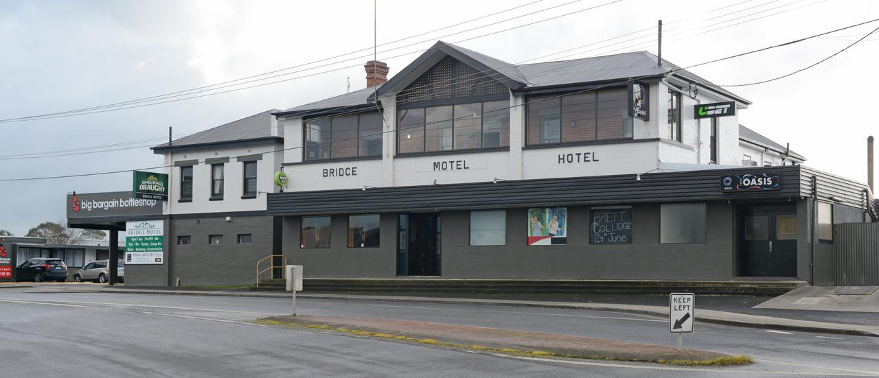 Bridge Hotel - Accommodation Port Macquarie