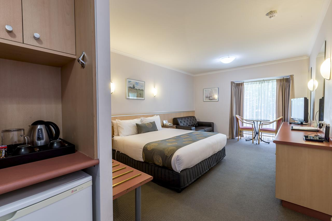 The Waverley International Hotel - Accommodation Port Macquarie