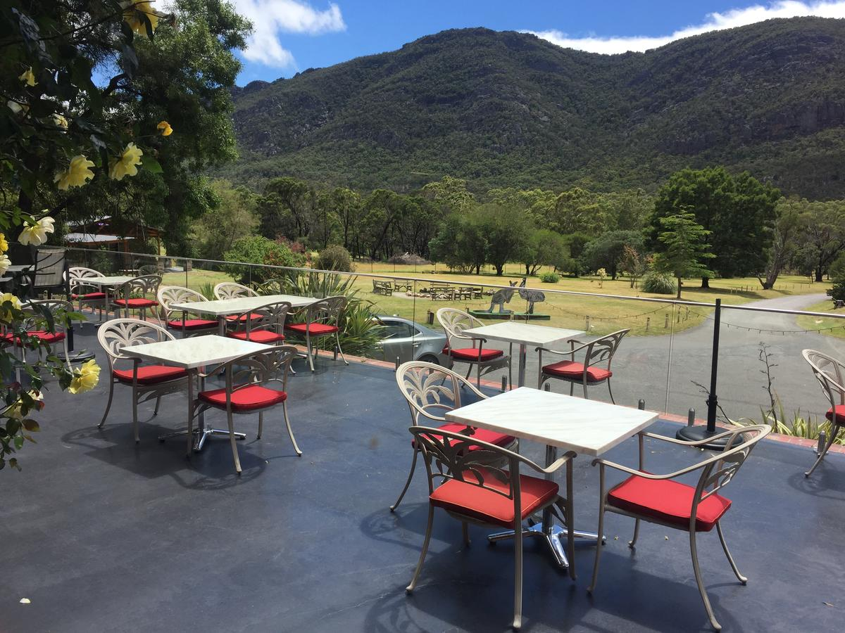 The Grampians Motel and The Views Bar  Restaurant - Accommodation Port Macquarie
