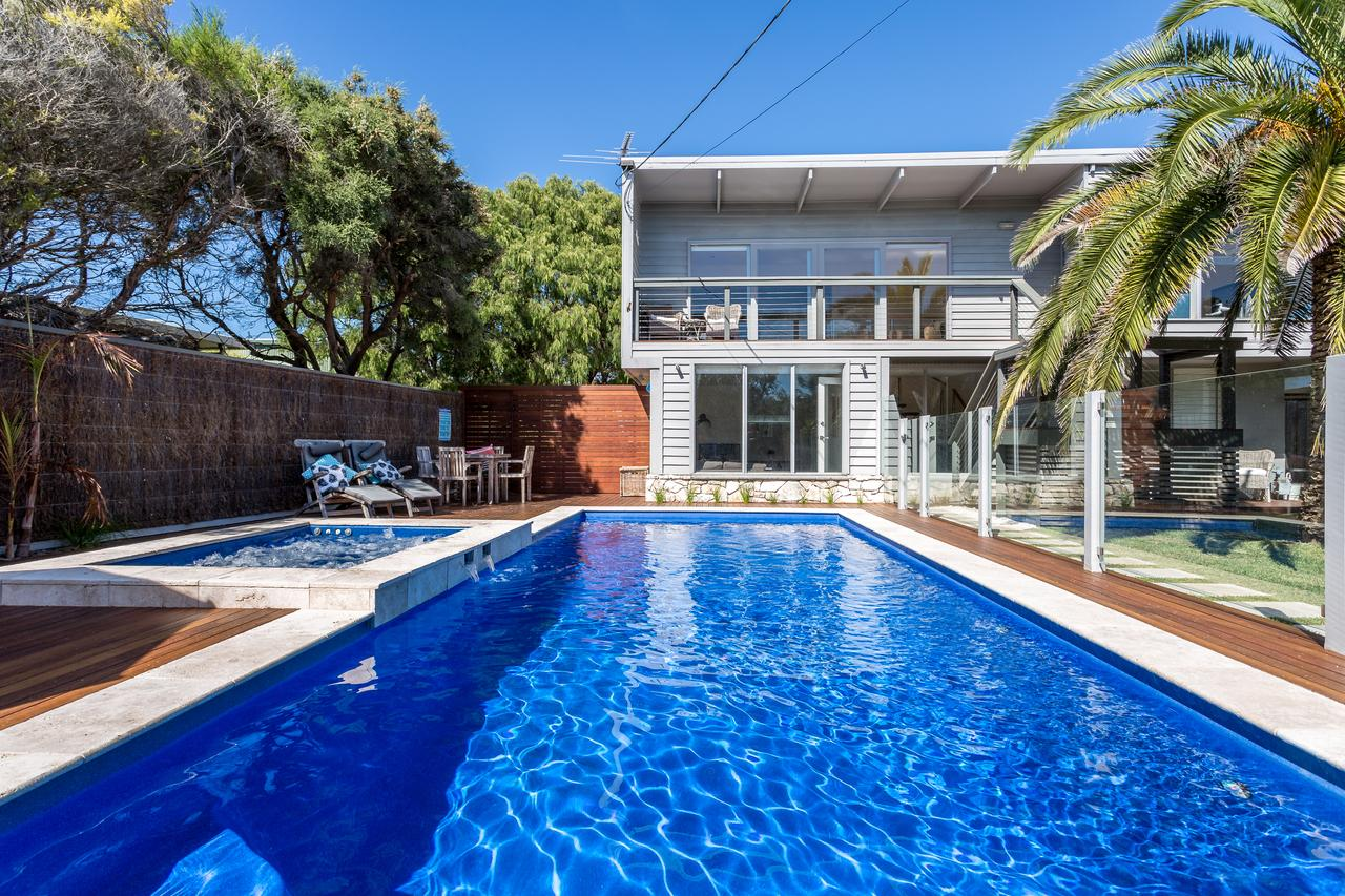 Front Beach House - Accommodation Port Macquarie