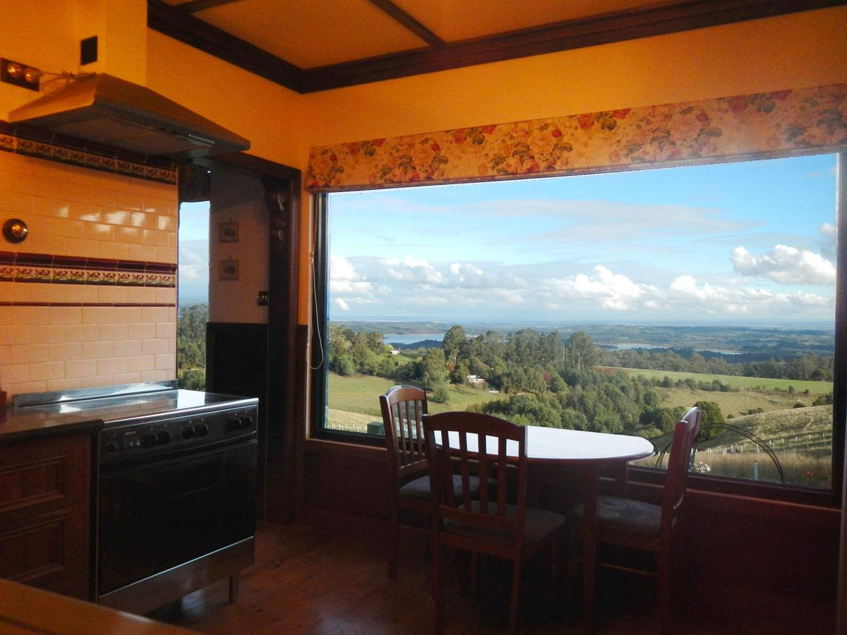 A Cottage with a View at Tudor Ridge - Accommodation Port Macquarie
