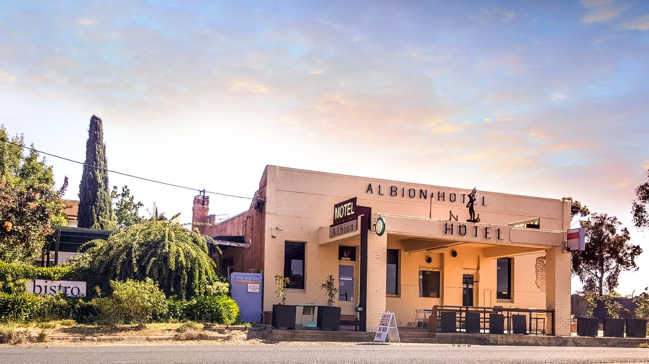 Albion Hotel and Motel Castlemaine - Accommodation Port Macquarie
