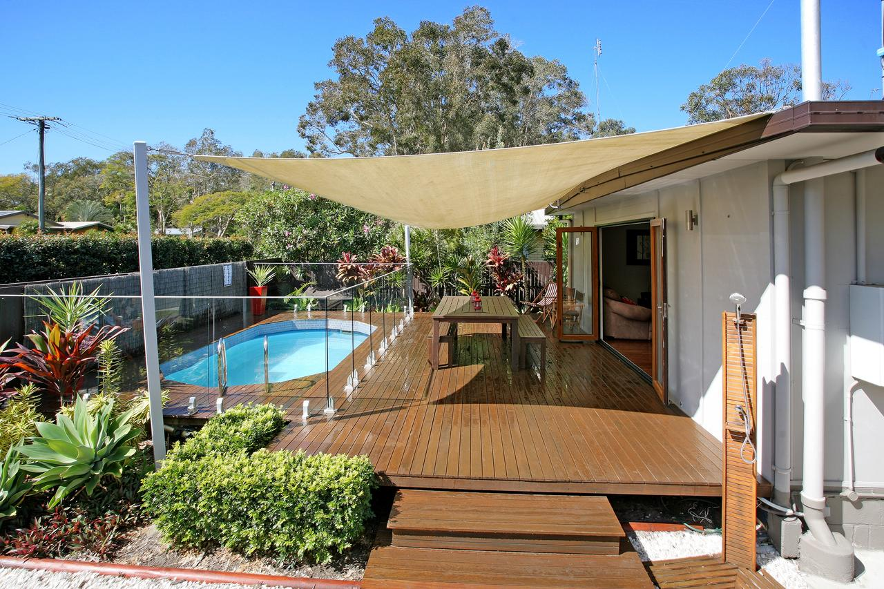 Beach House on Jones Parade Central Coolum Beach - Accommodation Port Macquarie