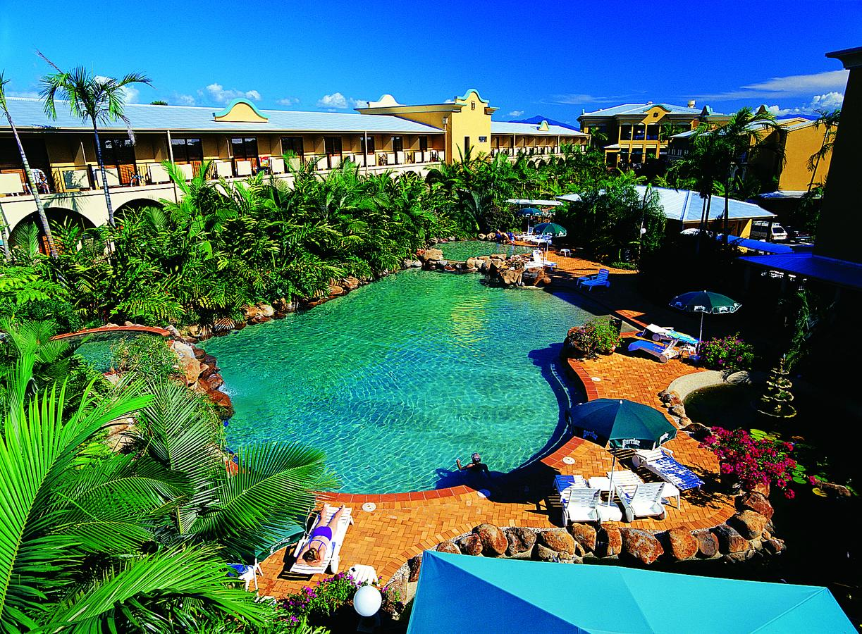 Palm Royale Cairns - Accommodation Port Macquarie