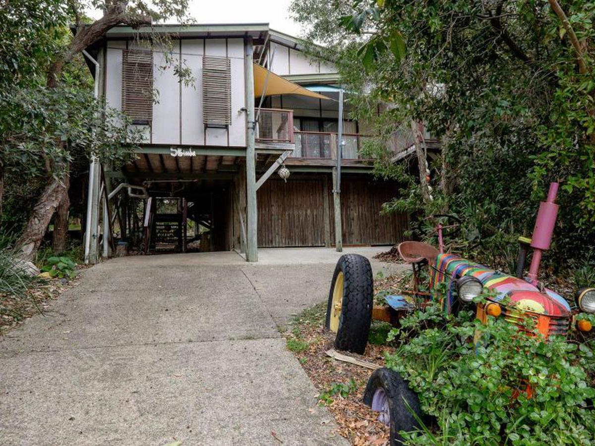 Five Bimba Tractor House - Accommodation Port Macquarie