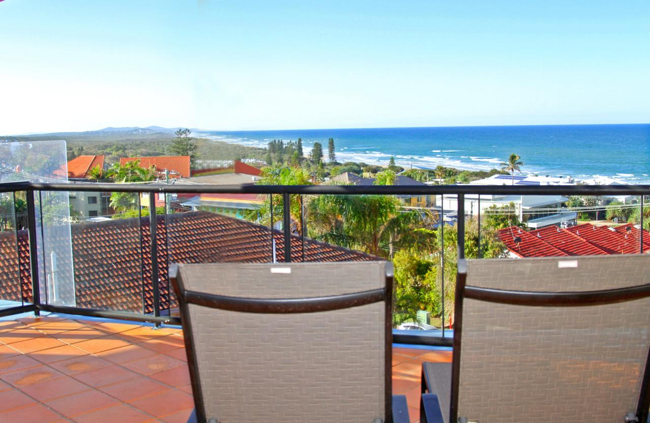 Unit 8 Bronte of Coolum 8 - 12 Coolum Terrace Coolum Beach 500 Bond LINEN INCLUDED WIFI - Accommodation Port Macquarie