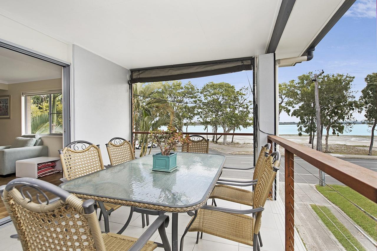 Fishing and Swimming at your doorstep - Sylvan Beach Esp Bellara - Accommodation Port Macquarie
