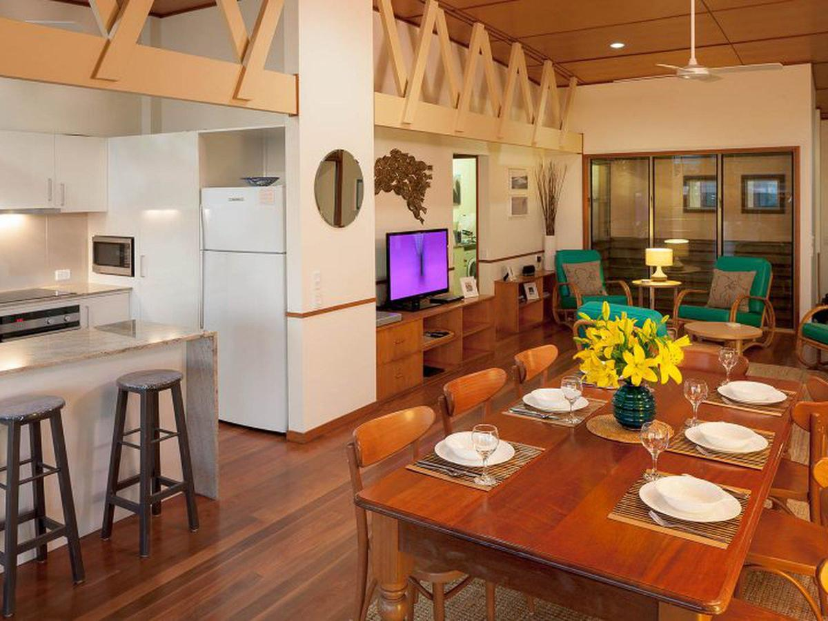 Claytons on Cylinder Beach Front - Accommodation Port Macquarie