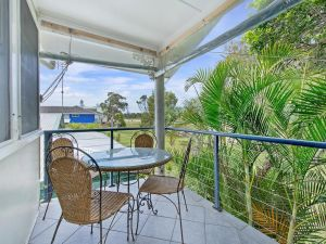 Allamanda House 3 Willow Street - Accommodation Port Macquarie