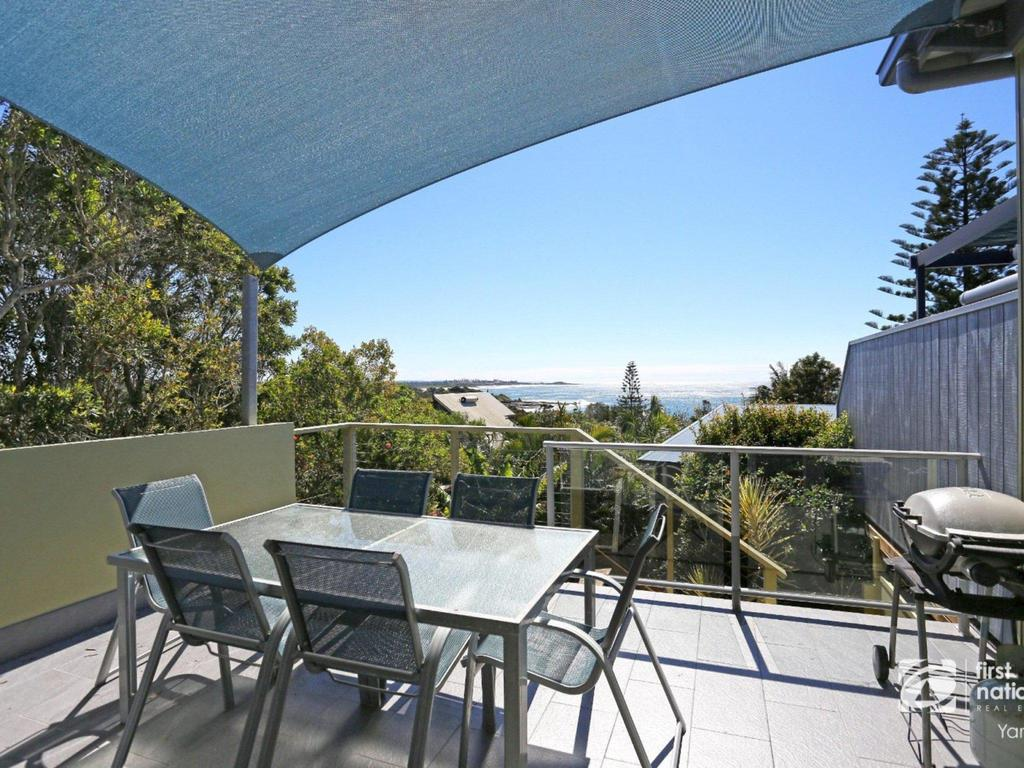 Angourie Blue 1 - Great Ocean Views - Surfing beaches - Accommodation Port Macquarie