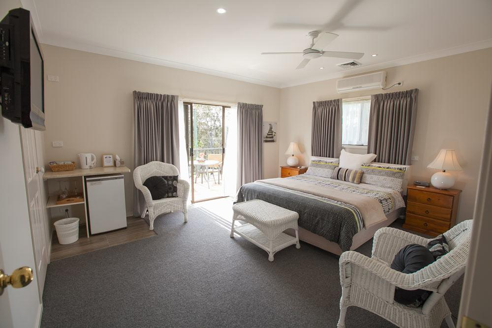 Batemans Bay Manor - Bed and Breakfast - Accommodation Port Macquarie